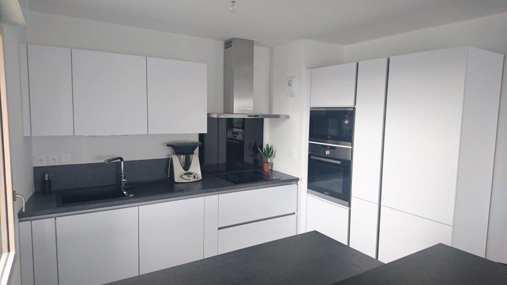 une touche tendance avec la cuisine affina by ixina le. Black Bedroom Furniture Sets. Home Design Ideas